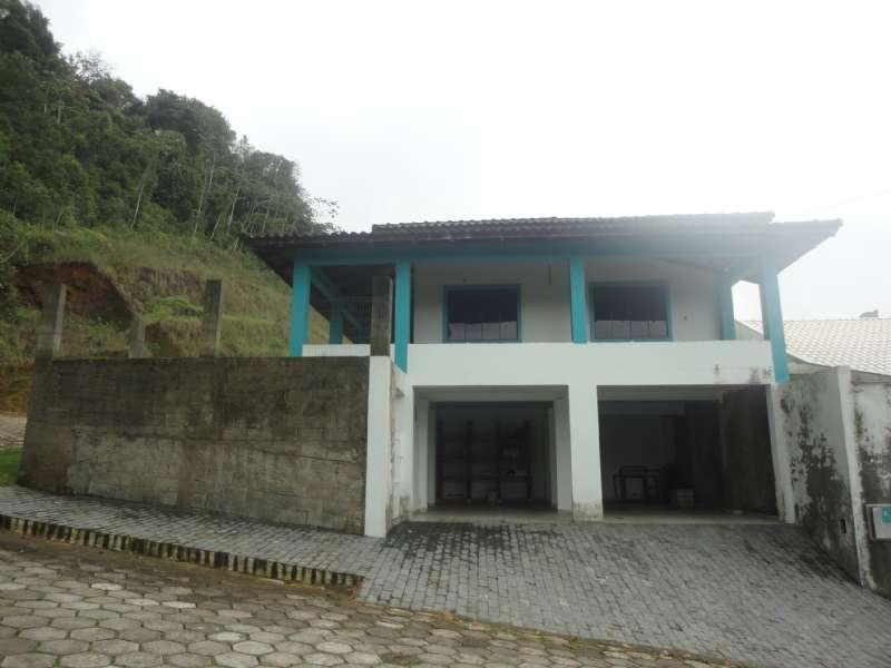 Casa 3 dormitórios no bairro Avai em Guaramirim