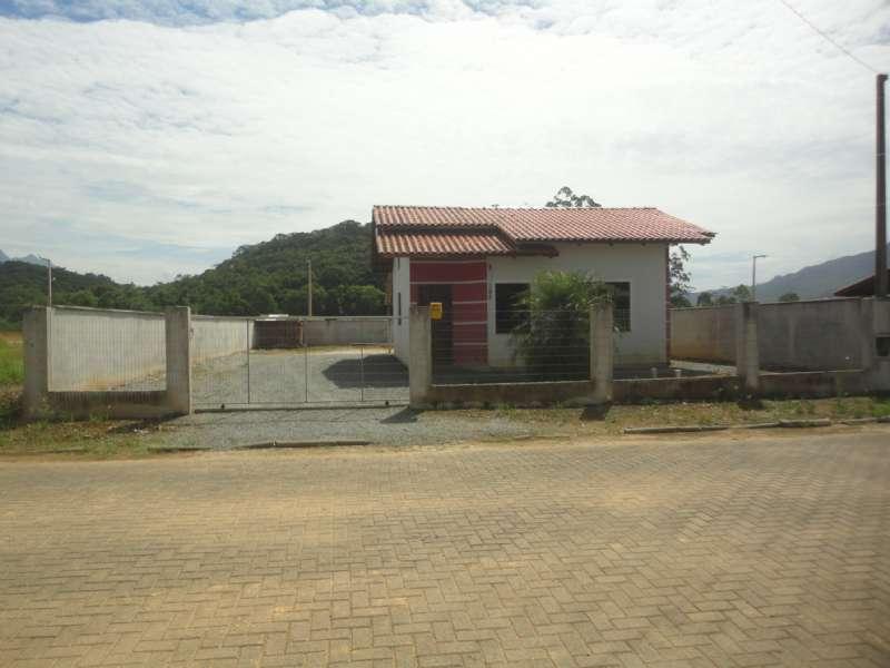 Casa 2 dormitórios no bairro Bananal do Sul em Guaramirim